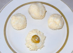Закуска Шарики с оливкой.