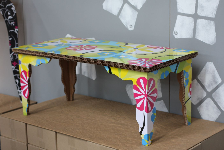 Edge-Table-by-Liquid-Design