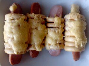 Сосиски в сушках (завтрак для подросших деток)