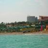 Вид на пляж с пирса