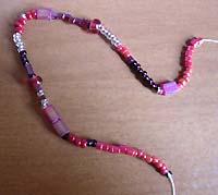 Браслет из бисера в свободной технике плетения