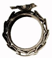 Обручальные кольца имеют свойства оберегов.