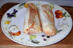 Рулет с беконом и сыром «колбаска».