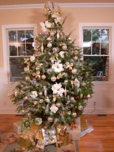 Как украсить оригинально елку