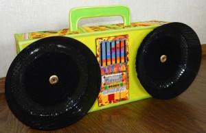 Муляж магнитофона из картона